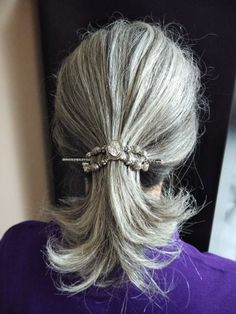 Best Hair Accessories for Gray Hair ~ Beautiful Life Long Silver Hair, Short Grey Hair, Ponytail Hairstyles, Cool Hairstyles, Hair Ponytail, Grey Hair Journey, Grey White Hair, Gray Hair Growing Out, Simple Ponytails
