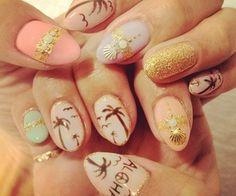 Adorable nail design! Girlie glam