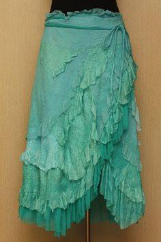 A Spoondrift Birth / NunoFelted Clothing / Skirt by LybaV on Etsy🍀PM Gypsy Style, Boho Gypsy, Bohemian Style, Boho Chic, Dress Skirt, Dress Up, Teal Skirt, Ruffle Skirt, Ideias Diy