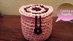 Hola a tod@s os traigo un nuevo Tutorial es una cestita echa a trapillo en crochet. He utilizado una aguja de crochet nº 10, espero que os animéis hacerla es...