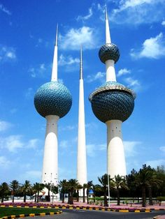 kuwait towers. These are the most famous landmarks of Kuwait. The Kuwait Towers are situated on the Arabian Gulf Street in Dasman, promontory to east of City Center. The topmost sphere of the largest tower (187 meters in height), has a revolving observation area and a restaurant with access to high speed lifts. The middle tower comprises one million gallons of water.