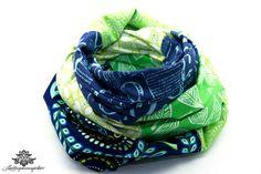 Patchwork-Loop-Schal in Lieblingsfarbe blau grün von #Lieblingsmanufaktur
