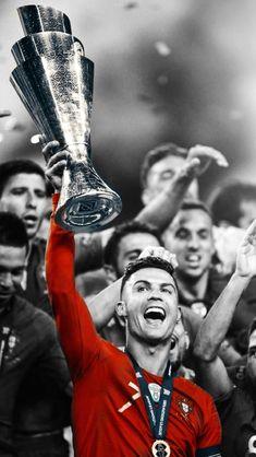 Cristiano Ronaldo świętuje zwycięstwo w Lidze Narodów Portugalia Cristiano Ronaldo Cr7, Cristiano Ronaldo Portugal, Messi Vs Ronaldo, Cristiano Ronaldo Wallpapers, Ronaldo Football, Lionel Messi, Neymar, Ronaldo Real, Sport Football