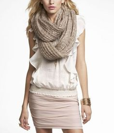 Chunky knit infinity scarves - Here's hoping I get one for Christmas!