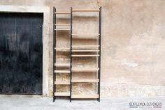 ETAGERE, BIBLIOTHEQUE MODULABLE, chêne massif et métal – 1750 €