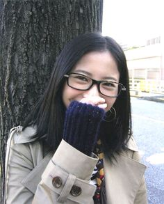 Girls With Glasses, Cute Asian Girls, Womens Glasses, Beautiful Asian Women, Asian Woman, Fashion Beauty, Beauty Style, Celebrity Style, Kawaii