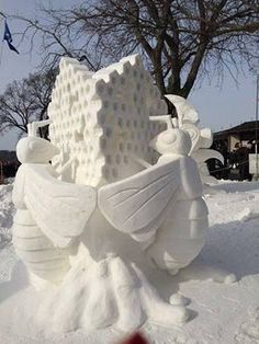 Bee-Friendly Ice Sculpture from Lake Geneva, Wisconsin annual competition in 2015. Bee-utiful art and design! #art #sculpture #design #bee #nature