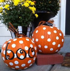 A cute idea for decorating a Halloween pumpkin. I would use black & white paint for polka dots