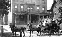 The Culbertson's (Culbertson Mansion) famous 4 horse rig on Derby Day, 1897. Louisville, Ky.