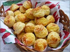 Limara péksége: Sajtos pogácsa Hungarian Cuisine, Hungarian Recipes, Russian Recipes, Hungarian Food, Pasta Recipes, Cake Recipes, Cake Cookies, Kids Meals, Bakery
