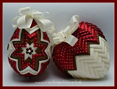 Collection elegant easter egg and heart, you can find at www. Quilted Fabric Ornaments, Quilted Christmas Ornaments, Handmade Christmas Decorations, Christmas Crafts, Bow Hanger, Heart Ornament, Ribbon Work, Homemade Crafts, Easter Crafts