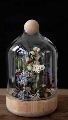 White Flower Arrangements, Flower Centerpieces, Flower Vases, Flower Decorations, Flower Crafts, Diy Flowers, Easy Diy Crafts, Crafts For Kids, Forever Flowers