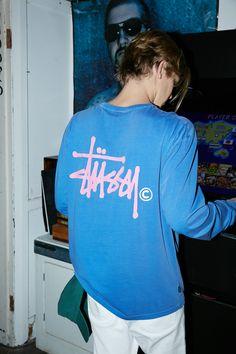 Obsessed with Stussy lately Streetwear Fashion, Shirt Designs, Street Wear, Tee Shirts, Menswear, Graphic Sweatshirt, Street Style, Style Inspiration, Mens Fashion