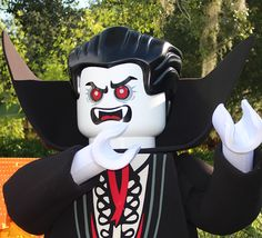 Watch the Vampyre awake from his slumber to summon his Monster friends to haunt LEGOLAND Florida Resort! #BrickorTreat #LEGOLANDFlorida #Halloween