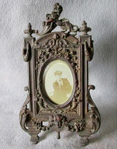 Antique Picture Frame with Cherub Face and Lion Victorian Picture Frames, Victorian Pictures, Vintage Picture Frames, Art Nouveau, Antique Frames, Beveled Glass, Cherub, Vintage Home Decor, Home Decor Accessories