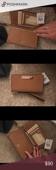 Michael Kors Jet Set Travel Slim tech wristlet  leather color acorn Bags Clutches & Wristlets