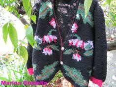 giacca hai ferri con intarsi fiori foglie