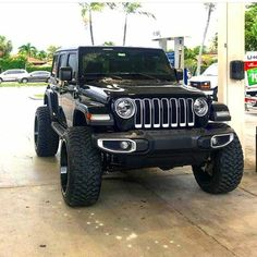 Save by Hermie Black Jeep Wrangler Unlimited, Jeep Wrangler Girl, Jeep Wrangler Lifted, Jeep Rubicon, Jeep Wranglers, Lifted Jeeps, Lifted Ford, Jeep Jl, Jeep Truck