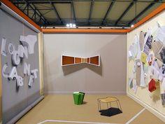 「Loony Cabinet」Nicola Cosentino&Stefano Spanioデザイン。デザインというものが、紙に描かれた2次元の世界から3次元の物体に移り変わるところに注目した3作品。