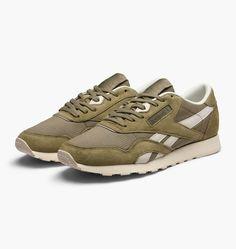 b085f44199a caliroots.com Classic Nylon SKTN Reebok BD2691 307726 Shoe Box