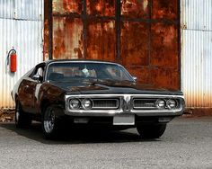 73 Charger from Burn Notice...me likey