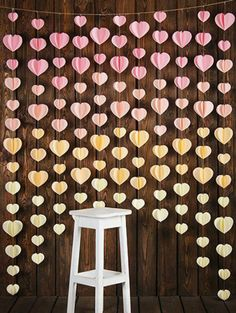 simple and best decoration idea for romantic day Valentine's Day is just around the corner, and while most people won't decorate as much as they would for Christmas, it's still nice to see some red and pink around the home. Home Crafts, Diy And Crafts, Paper Crafts, Paper Decorations, Wedding Decorations, Valentines Day Decorations, Valentine Ideas, Birthday Party Decorations, Diy Décoration