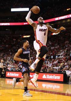 Lebron James, estrella de los Heat de Miami. Es él el deportista más seguido (excluyendo a los futbolistas). Tiene más de 21 millones de fans (13,7 en facebook y 7,7 twitter)