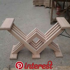 top of bench attached - bench bottom complete Woodworking Projects Diy, Woodworking Furniture, Diy Wood Projects, Furniture Projects, Table Furniture, Wood Crafts, Vintage Furniture, Design Projects, Woodworking Plans