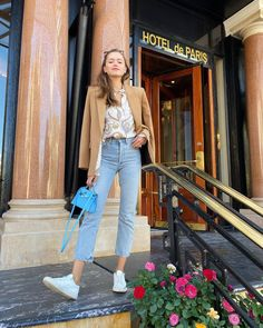 Women Jeans Outfit Ankara Clothing Hunting Trousers Mens Chino Trousers Red High Waisted Pants Chequered Trousers Jeans And Heels Outfit Casual Sporty Outfits, Casual Skirts, Casual Jeans, Short Outfits, Casual Chic, Summer Outfits, Casual Heels Outfit, Heels Outfits, Chic Outfits