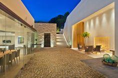 La Jolla residence, CA. Ron Neal Lighting Design.