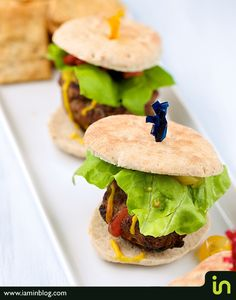 Mini burgers and In Snax crisps  Photo: Vadim Daniel