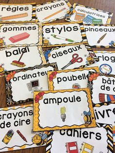 Nouveau décor pour la classe : les abeilles ! French Teaching Resources, Teaching French, French Classroom Decor, Class Labels, Organizing Labels, Classroom Labels, Core French, Free In French, Kids Room Organization