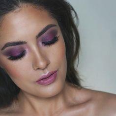Sunday pink & purple vibes using the @nyxcosmetics Full Throttle shadow palette in BOSSY  lips are @urbandecaycosmetics vice comfort matte lipstick in BACKTALK  GLOW provided by @natashadenona Body Glow in Light ✨ // #natashadenona #glow #nyxcosmetics #NYX #anastasiabrows #ABH #anastasiabeverlyhills #urbandecay #lipstickismyvice #sundayvibes #mua #motd #fotd #wakeupandmakeup