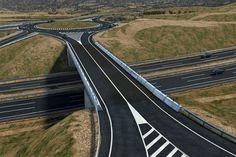Infografía de viaducto sobre autovía