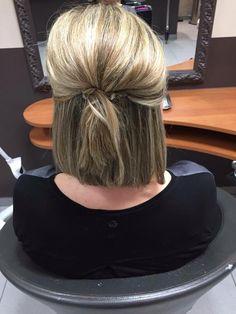 5 Top Trends in Bridal Hairstyles Short Hair Updo, Short Hair Styles, Nose Hair Trimmer, Hair Flow, Mom Hairstyles, Hair Extensions Best, Sleek Ponytail, Wedding Hair Down, Bridesmaid Hair