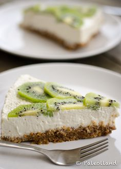 paleo kiwi lemon cheesecake:Healthy vegan, raw, sugar-free, gluten-free, lactose-free, and deeeelicious!