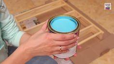 6. Tinta Pegue a tinta de sua preferência (esmalte ou acrílica), e dilua em um recipiente com um pouco de água (o volume de água é indicado no rótulo da tinta);