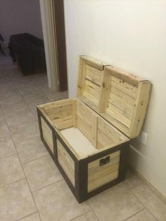 pallet-storage-chest.jpg 600×800 pixels