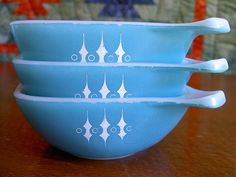 """Crown Pyrex ramekins - more of that wonderful turquoise Pyrex handled bowls with the unique white design...""""Turquoise with White Spears"""""""