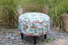 Flamingo ! Textiles, Outdoor Furniture, Outdoor Decor, Flamingo, Ottoman, Creations, Chair, Home Decor, Objects