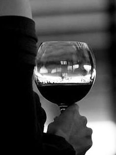 Wein ist gar nicht mal so schlecht für unsere Gesundheit! Hier ein paar gute Gründe, mal wieder ein Gläschen zu trinken: http://www.gofeminin.de/gesundheit/wein-und-gesundheit-s1558988.html