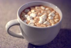 Yummy and easy!  Hot chocolate with marshmallow... Mmmhh