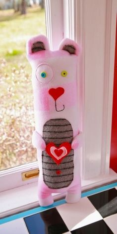 DIY- Lovey Dovey Bear Pattern- great Valentine gift idea for a kid!