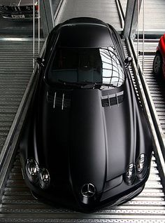 mercedes benz slr 722 edition - Taaan bello, el color negro opaco la da el toque preciso.
