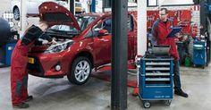 Toyota onderhoud - Als de auto voort komt uit vakwerk, dan ga je voor onderhoud natuurlijk naar de vakman; de Toyota monteur!