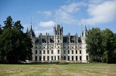 chateau challain your own fairtytale castle via www.frenchweddingstyle.com