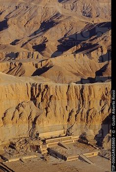 Temple of Hatshepsut, Deir el_Bahari Places Around The World, Around The Worlds, Places In Egypt, Luxor Temple, Valley Of The Kings, Religious Architecture, African Countries, Egyptian Art, Antiquities