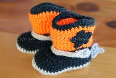 Life in a Little Red Farmhouse: Crocheted Cowboy Booties with Spurs