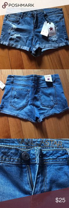 Vanilla Star Ripped Shorts Size 13 Size 13. Never worn Vanilla Star Shorts Jean Shorts