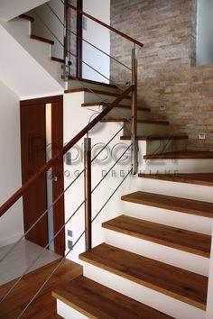 Dazzling farmhouse staircase – Home Renovation Open Staircase, Wooden Staircases, Stairways, Stair Railing Design, Home Stairs Design, House Design, Kitchen Under Stairs, Door Gate Design, Staircase Remodel